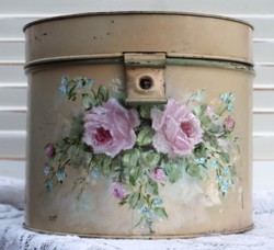Vintage Tin with Rosy Design - Postage is included Australia Wide