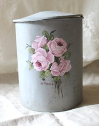 Hand Painted - Vintage Peg Tidy - Postage is included Australia wide