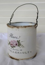 Repurposed Tin Can - Fleurs - Postage is included Australia Wide
