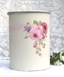 Hand Painted - Vintage Peg Tidy Floral - Postage is included Australia wide