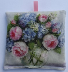 Lavender Sachet - A Garden Bunch - Postage is included Australia wide
